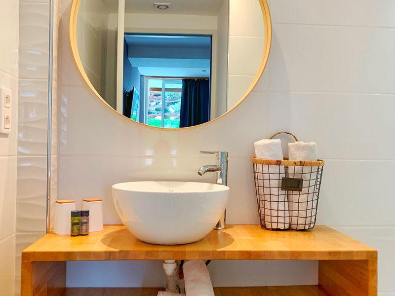 Salle de bain de l'hôtel Beau Soleil au Lavandou